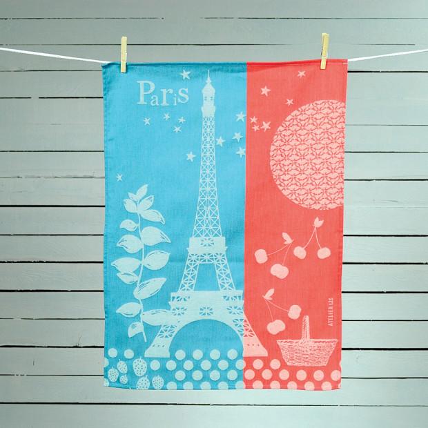 綿100%の布巾 Paris printemps、染色品質がいいから無加工でも色落ちしない。120種類あり年2回新作を追加。14€。