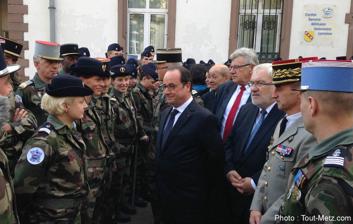 2015年10 月29日、ロレーヌ地方のSMV基地訪問時のオランド大統領