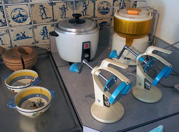 かき氷器やナショナルの炊飯器。