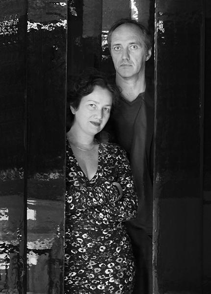 アヌック・ルジャンドルと ニコラ・デマジエール(右)。©Luc Boegly