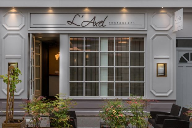 dec-laxel-restaurant-facade-50