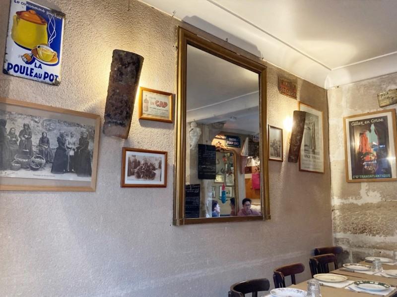 コルシカ関連の昔のイベントや特産物のポスター