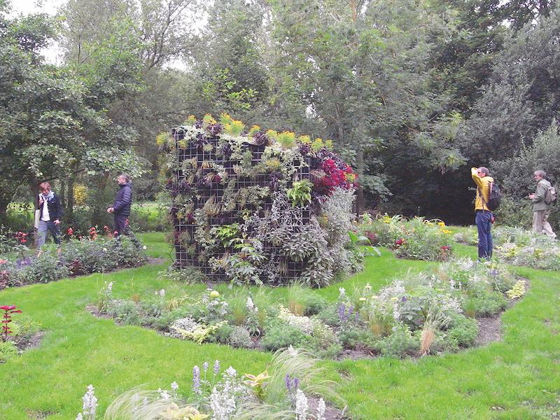 ヨースト・エメリックの作品「花狩り」。