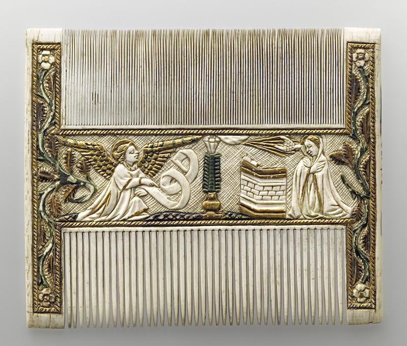Peigne double décoré de scènes religieuses