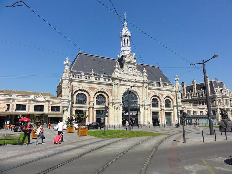Valenciennes 駅
