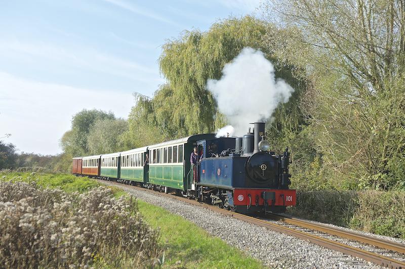 1905年リヨンのパンゲリー社製030型n°101の蒸気機関車。以前はモルビアン県鉄道を走っていた。国の歴史的記念物だ。 ©️ P.Lovel.