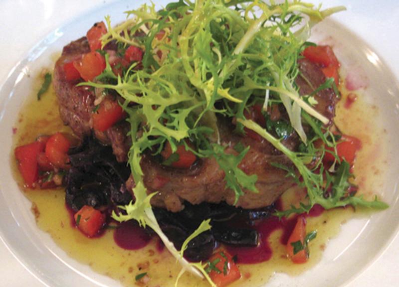 Echine de Porc Braisée sauce vieille choux rouge